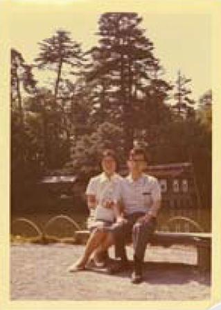 妻のサツ子さんと進行旅行で金沢へ行ったときの写真